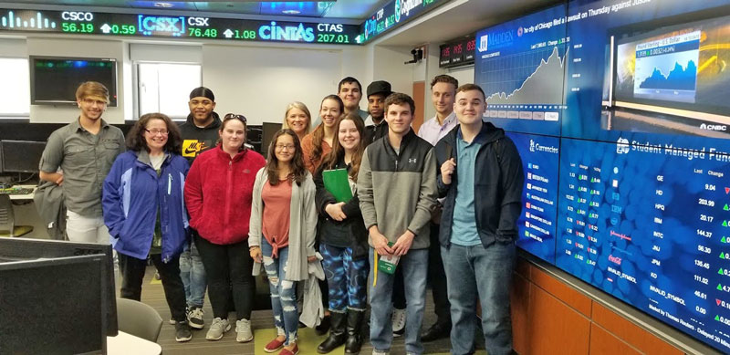 Business students to LeMoyne for a Tour of the Madden School of Business